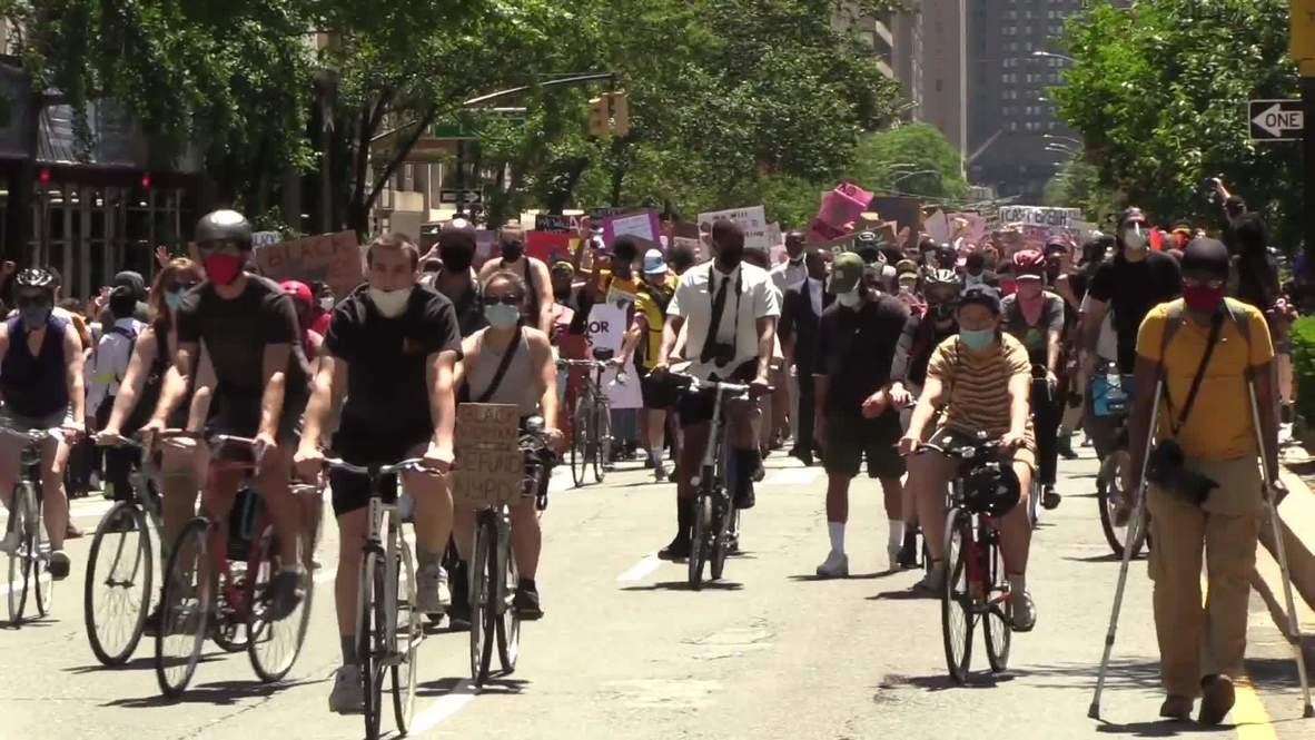 USA: BLM protesters flood Manhattan