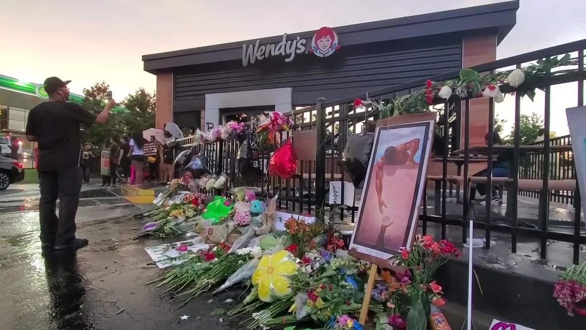 USA: Memorial set up near burnt Wendy's where Rayshard Brooks was shot