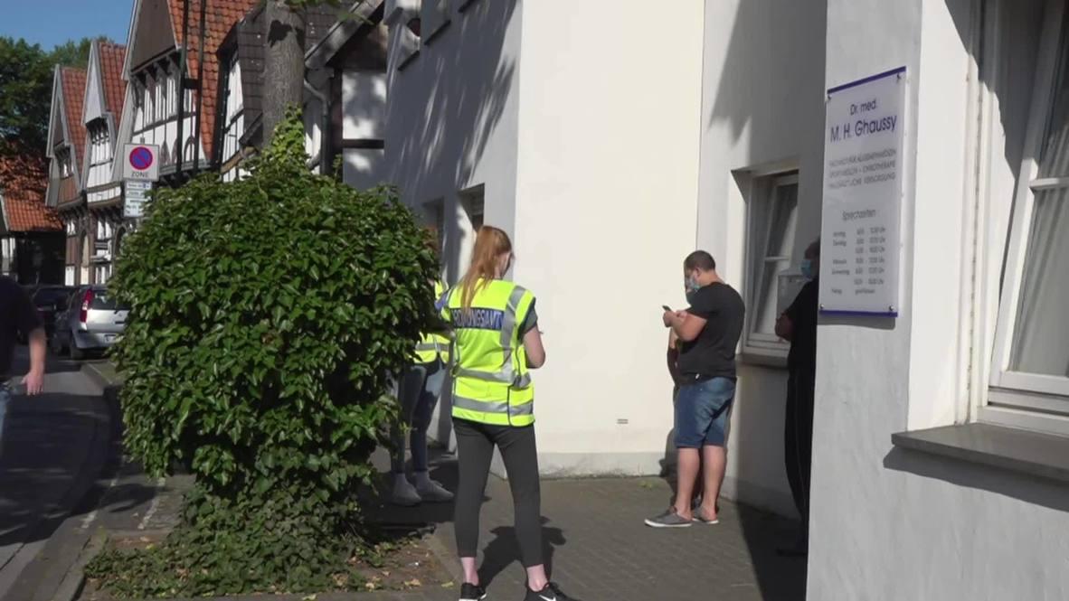 Alemania: Vuelven a confinar Gütersloh debido al brote del covid-19 en el matadero local