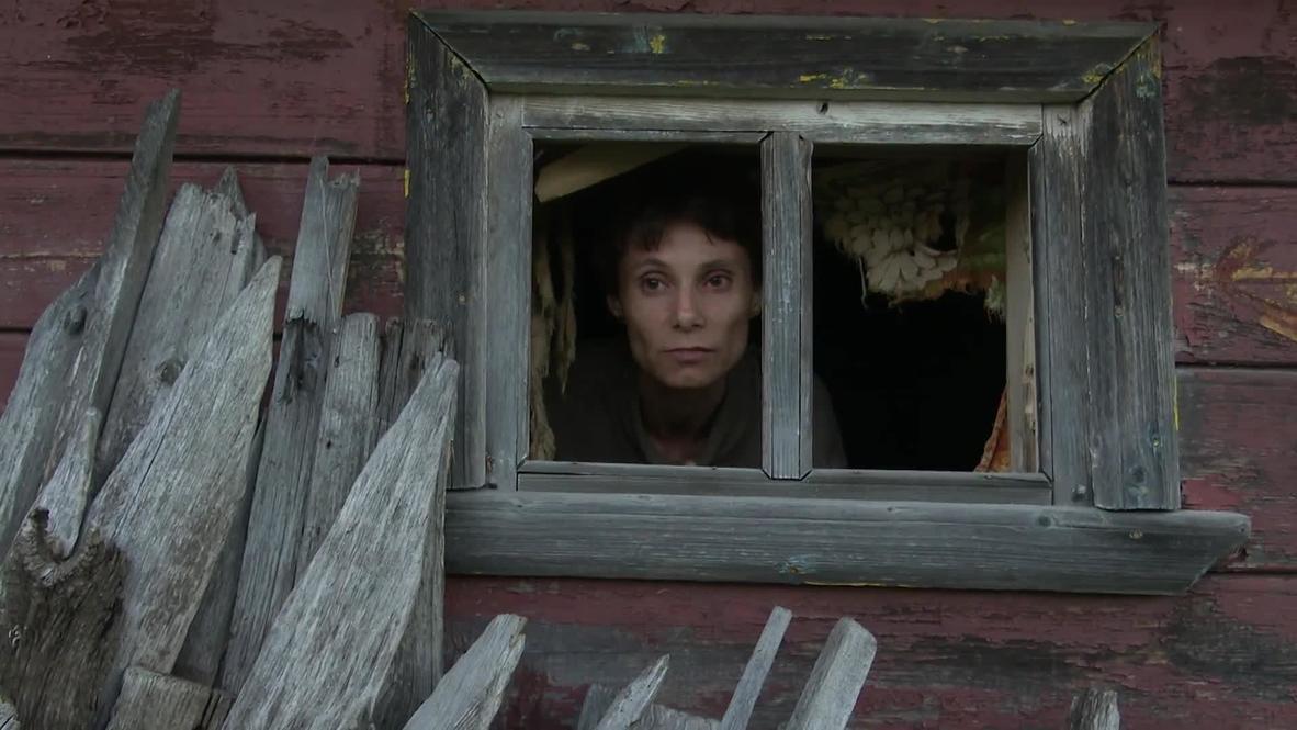 Россия: Женщина-маугли из села в Нижегородской области прожила четверть века взаперти