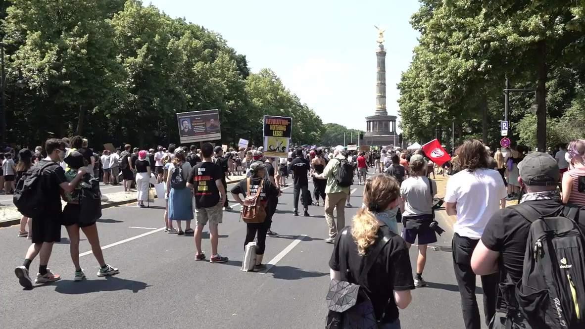 ألمانيا: نحو ألفي شخص يشاركون في تظاهرة مناهضة للعنصرية مع مراعاة قواعد التباعد الاجتماعي