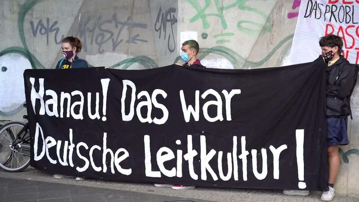 """ألمانيا: نشطاء حركة """"مهاجرون ضد الفاشية"""" يتظاهرون ضد وحشية الشرطة في برلين"""