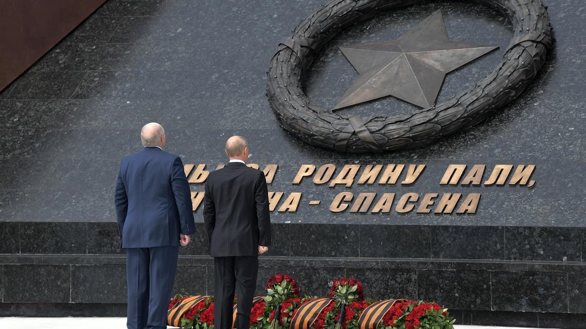 Россия: Путин и Лукашенко открыли Ржевский мемориал Советскому солдату
