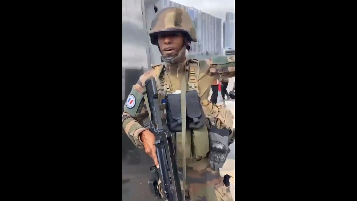 Francia: Policía evacúa un centro comercial de París por un supuesto atacante armado