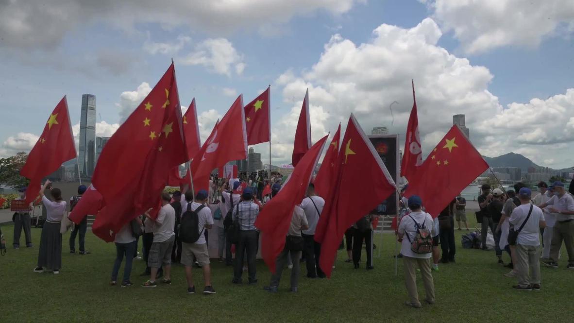 هونغ كونغ: متظاهرون مؤيدون لبكين يحتشدون دعما لقانون الأمن القومي الصادر حديثًا