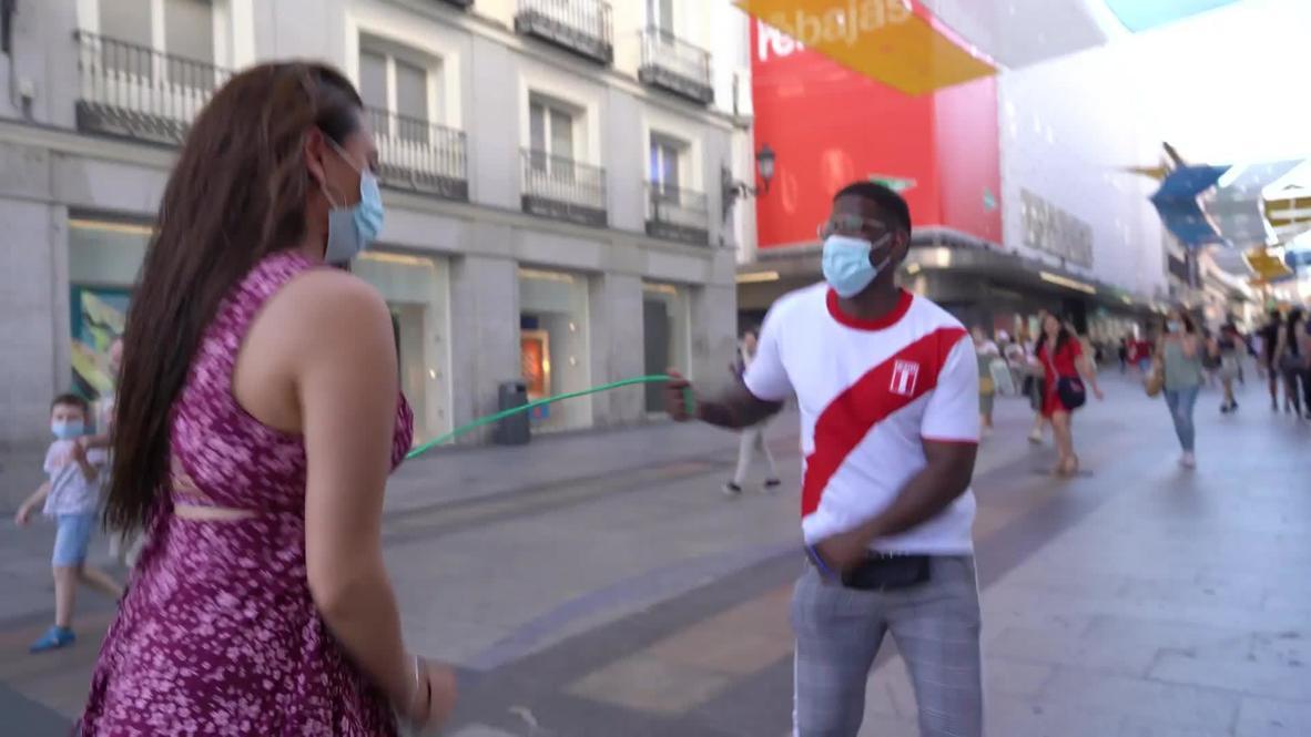 رقص السالسا الآمن: راقص مدريد يستعين بالحبال للحفاظ على التباعد الجسدي