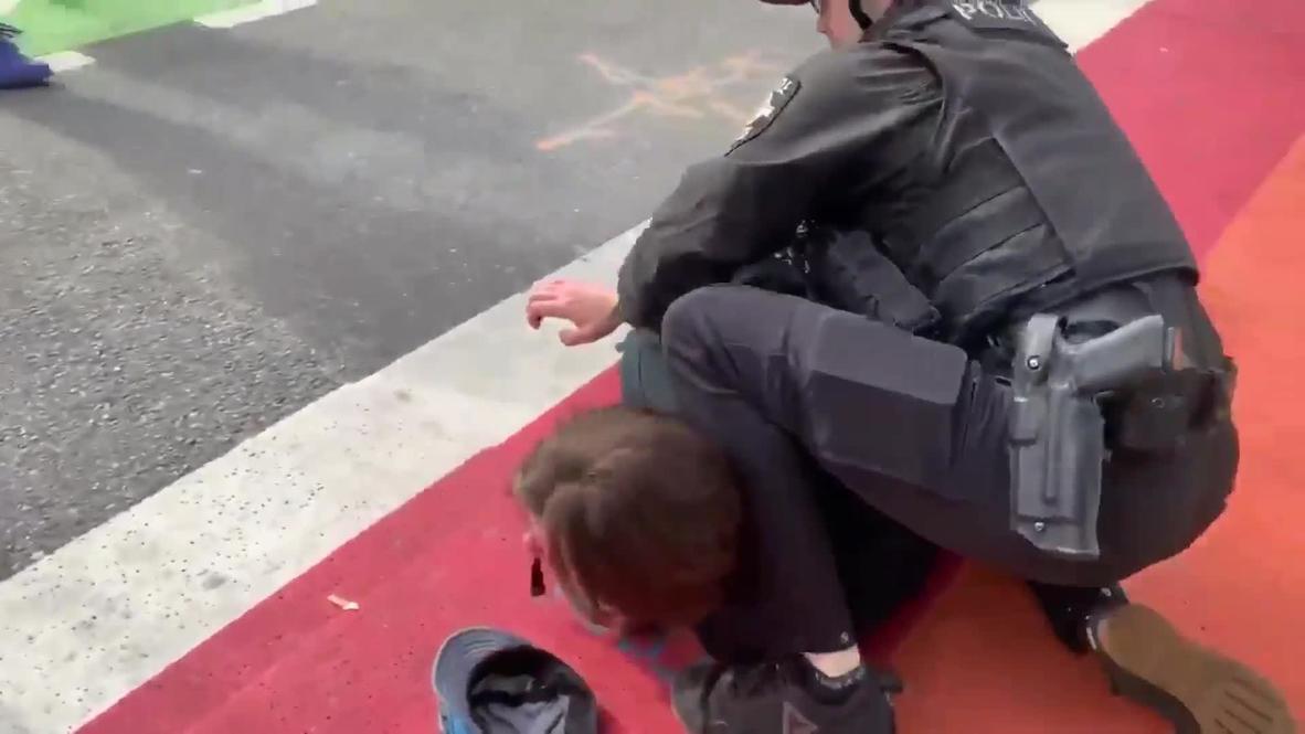 USA: Man arrested following scuffles in Seattle 'Autonomous Zone'