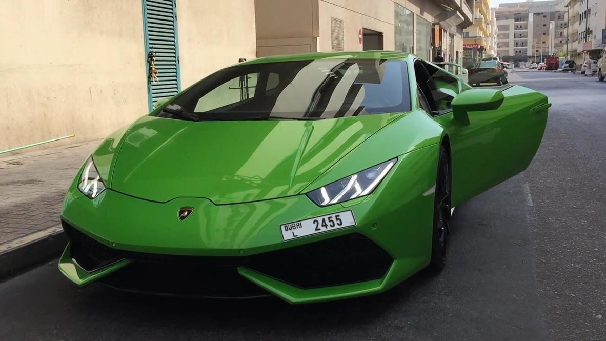 Fast and FRUITorious! Dubai supermarket delivers mangoes via Lamborghini