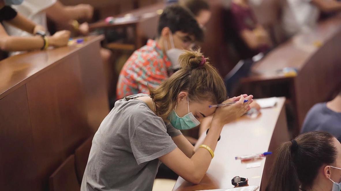 España: Comienzan las pruebas de acceso a la universidad en Madrid después del cierre por coronavirus