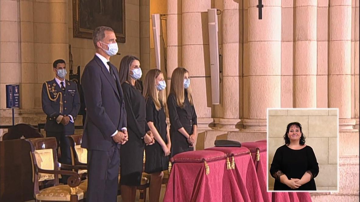 España: Familia real asiste a misa fúnebre en recuerdo de las víctimas de la covid-19 en Madrid
