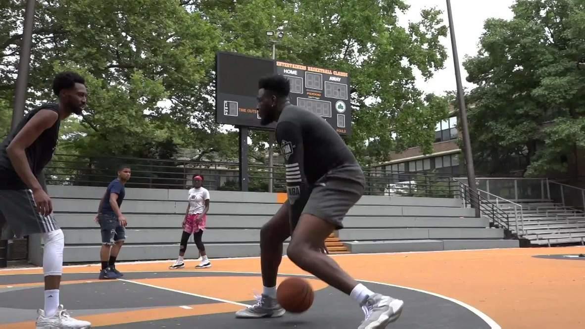 EE.UU.: Jugadores vuelven a la famosa cancha de baloncesto de Rucker Park en Harlem tras levantarse las restricciones por covid