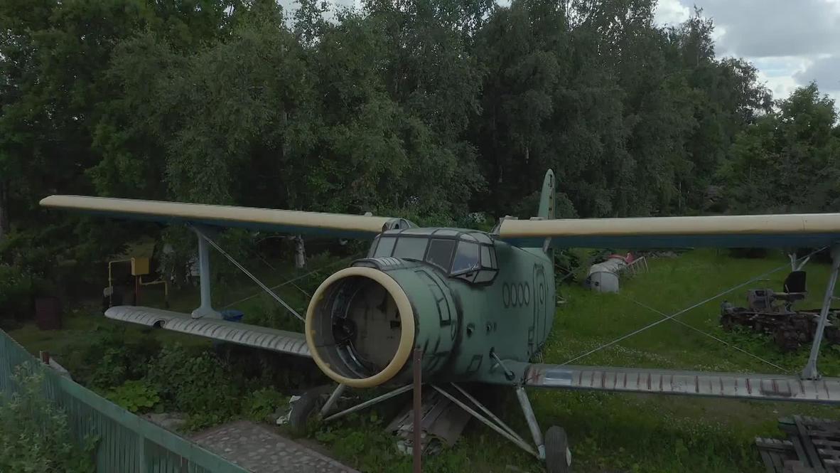 В стране забытых вещей. Петербуржец создает на дачном участке музей стимпанка