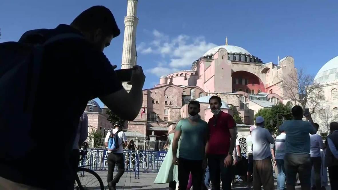 تركيا: أهالي إسطنبول يرحبون بقرار المحكمة تحويل متحف آيا صوفيا إلى مسجد