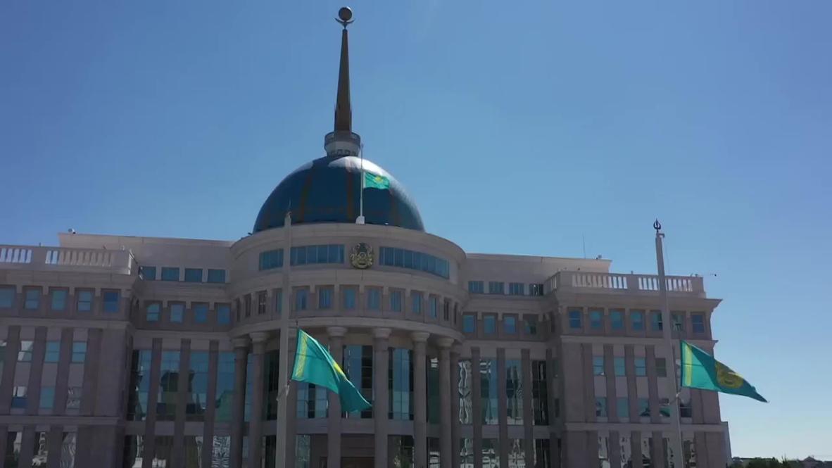 Казахстан: Память погибших от COVID-19 почтили минутой молчания