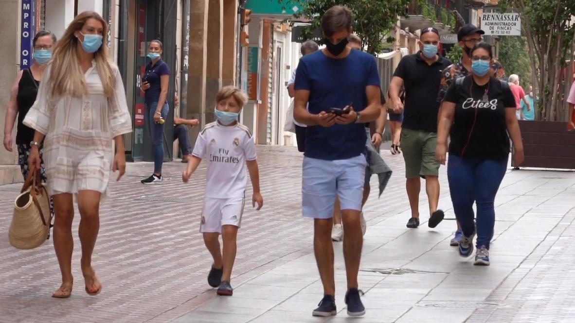 España: Turistas reciben con molestia orden que los obliga a usar mascarillas en las Islas Baleares