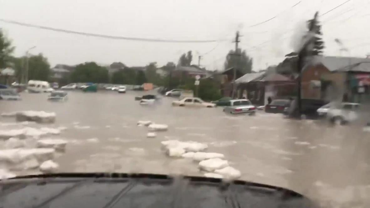 Армения: Затопленный Гюмри после проливного дождя и града