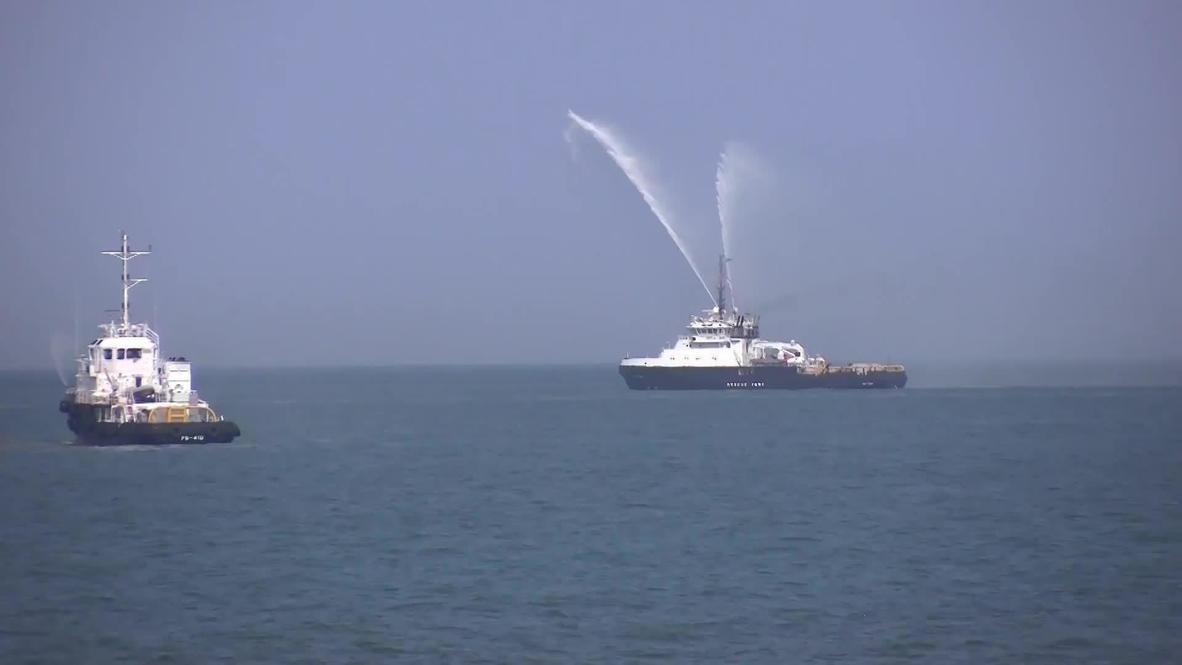 Россия: Репетиция парада ко Дню ВМФ прошла в Каспийском море