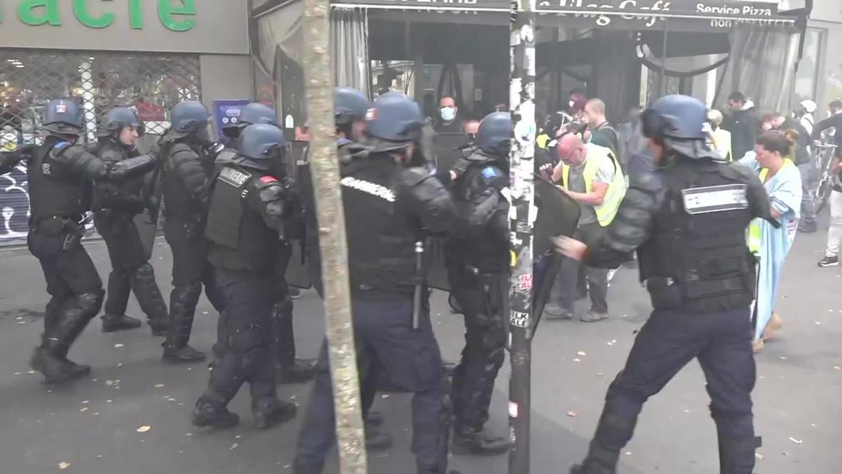 Francia: Enfrentamientos en París durante una protesta sindical en el Día de la Bastilla