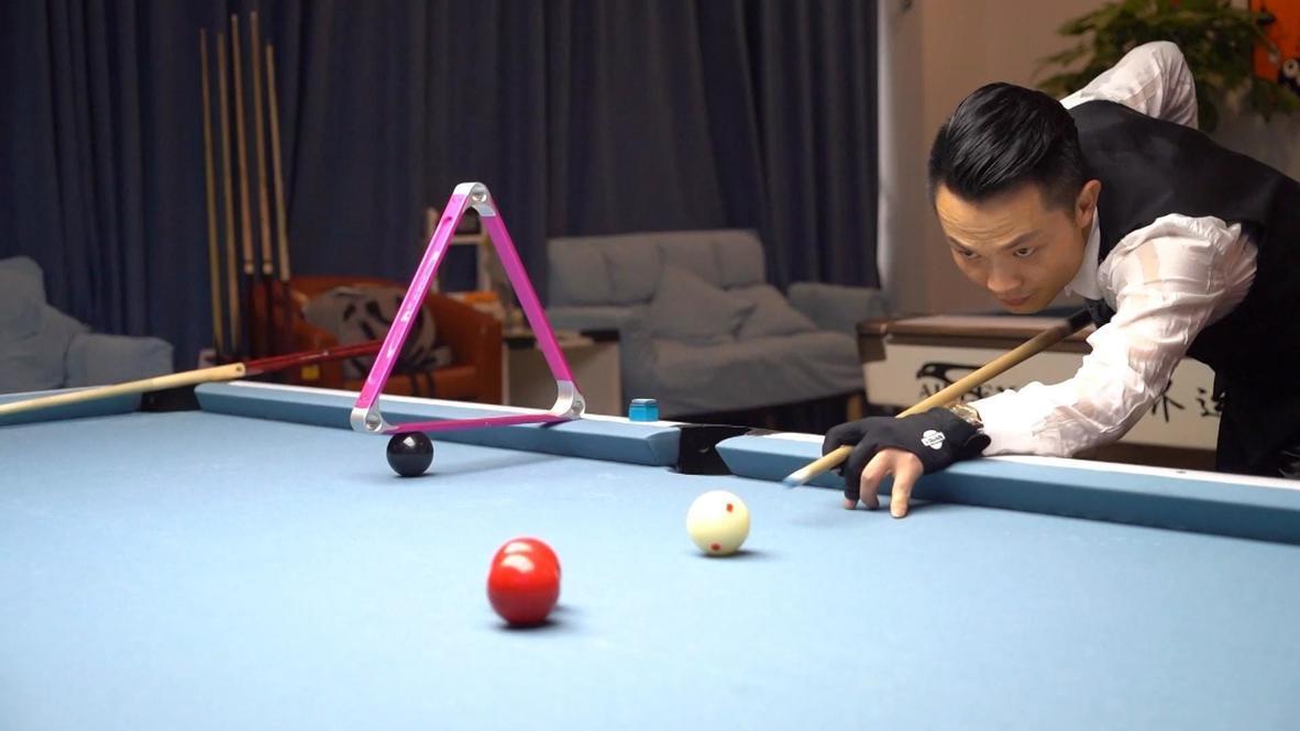 China: Watch Deng Guoqiang hit amazing snooker trick shots