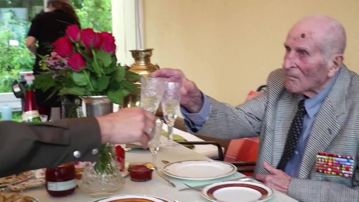 Германия: В Ростоке поздравили ветерана ВОВ со 100-летием