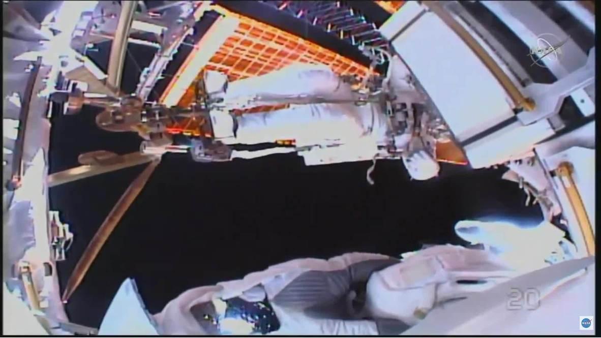 EEI: Astronautas de la NASA realizan caminata espacial de siete horas para actualizar baterías