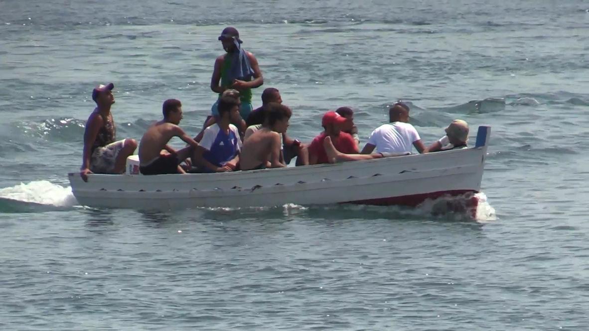Italia: Migrantes llegan a Lampedusa y abarrotan centro de recepción