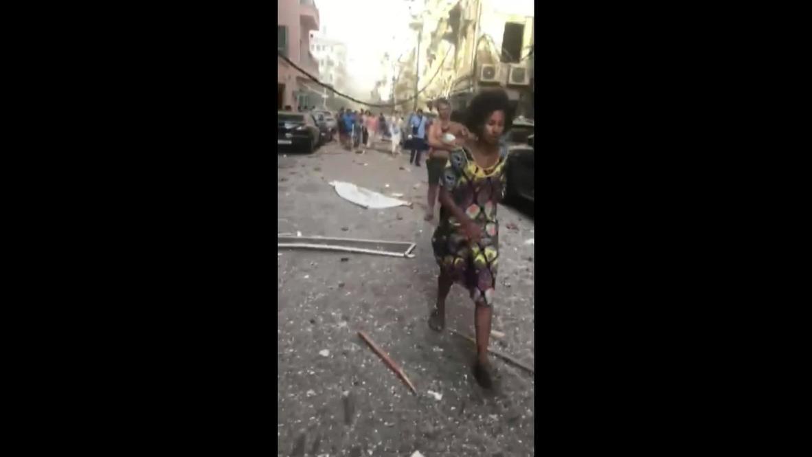 Ливан: Десятки раненых людей на разрушенных улицах Бейрута после взрыва *18+*