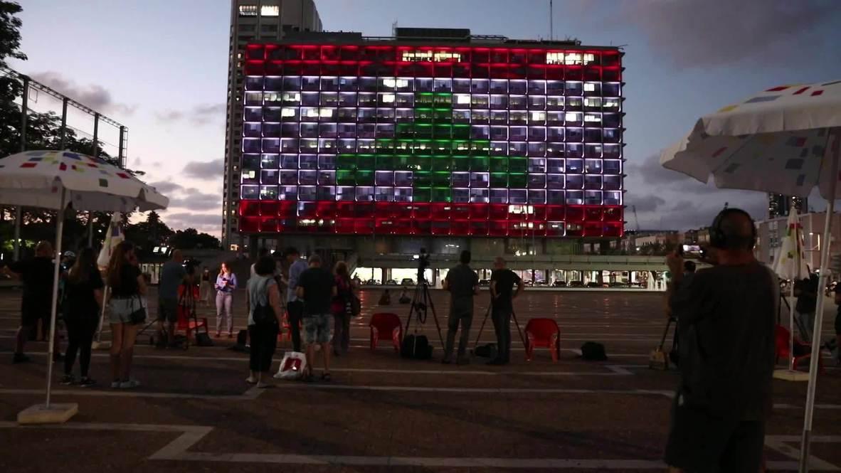 إسرائيل: بلدية تل أبيب تضاء بألوان العلم اللبناني تضامنا مع ضحايا انفجار بيروت