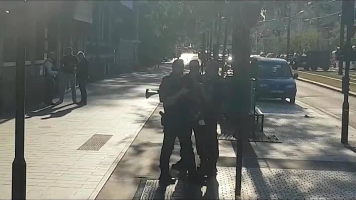 فرنسا: انتشار عناصر الشرطة في مدينة لوهافر عقب احتجاز مسلح رهائن في بنك