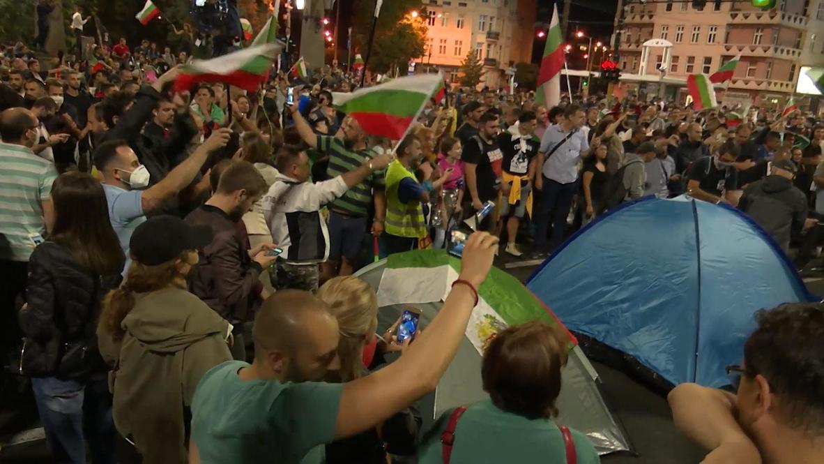 Bulgaria: Anti-government protesters bring Sofia to standstill