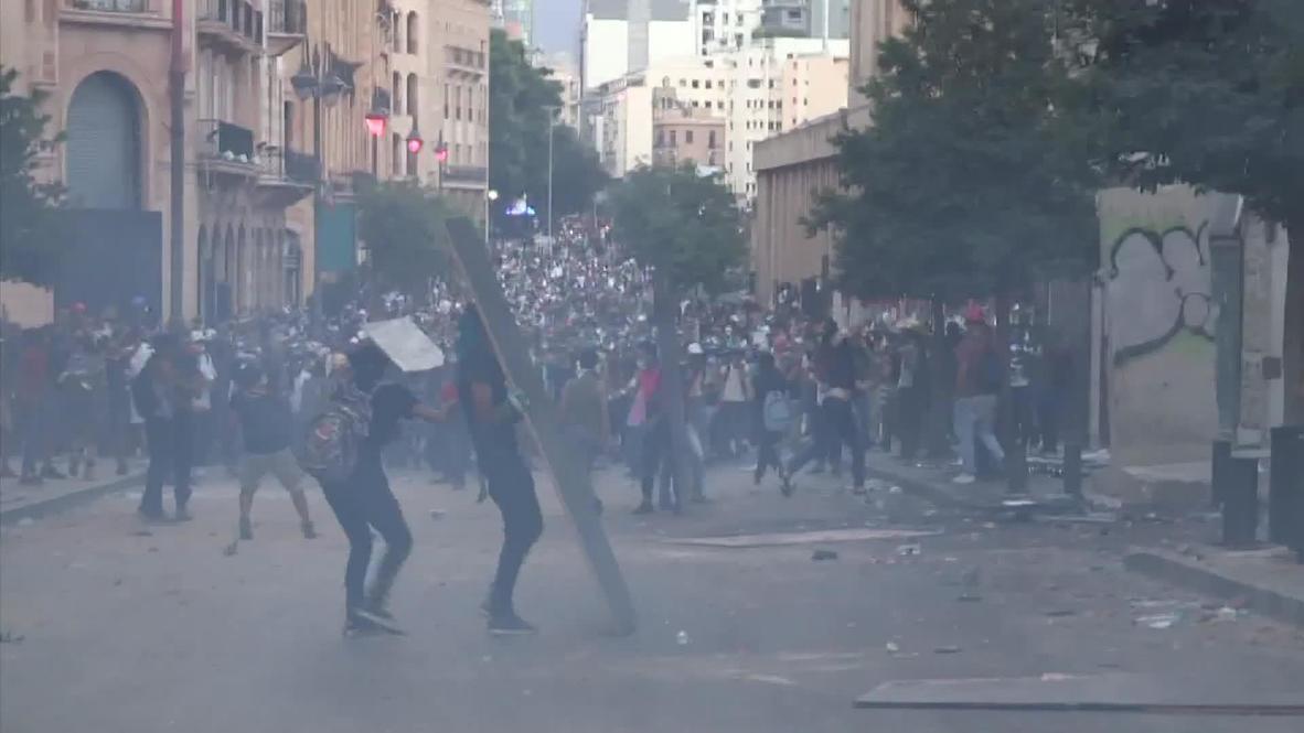 Líbano: Manifestantes protestan y se enfrentan violentamente con la policía en Beirut