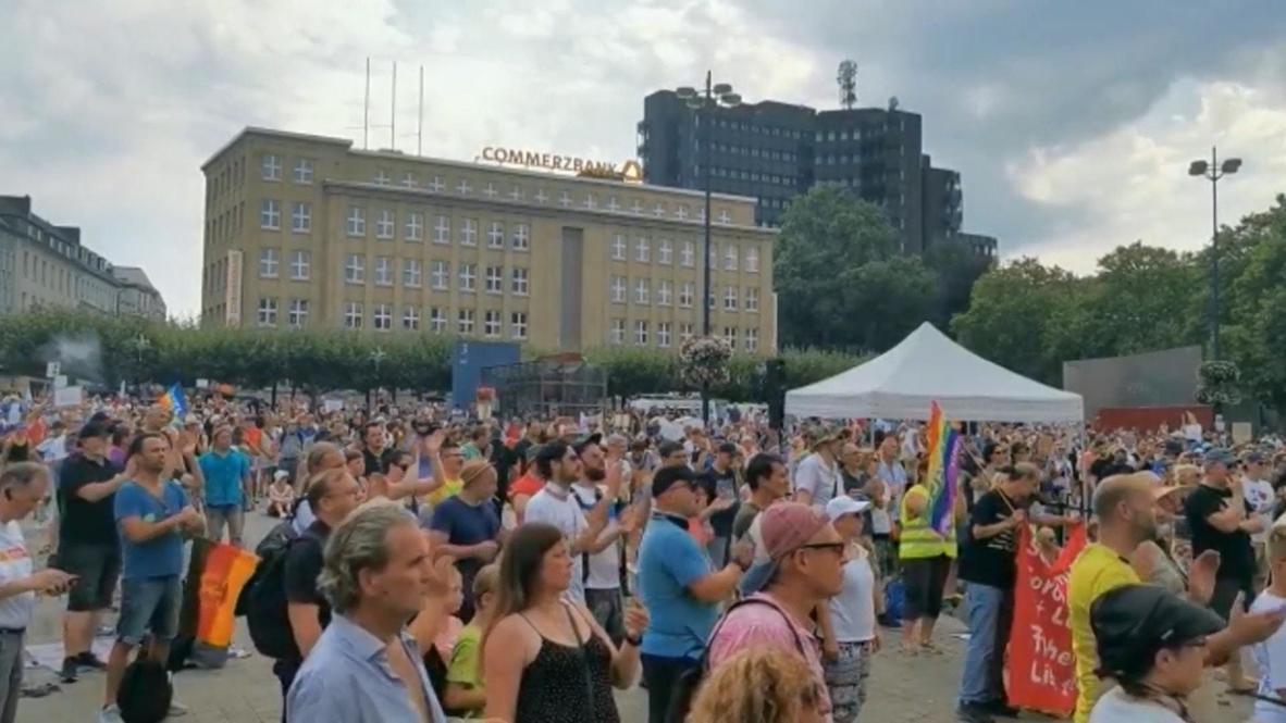 Germany: Thousands denounce coronavirus restrictions at Dortmund rally