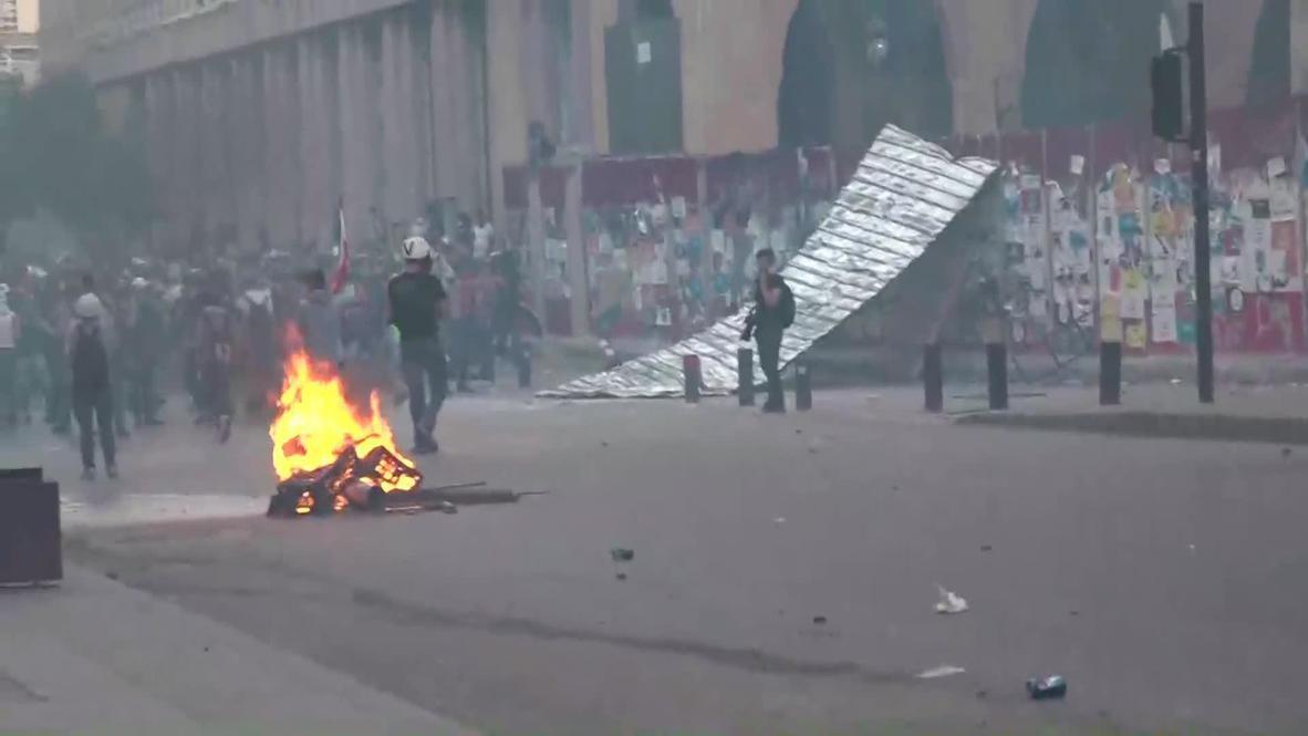 لبنان: اندلاع اشتباكات وسط استمرار الاحتجاجات المناهضة للحكومة في بيروت