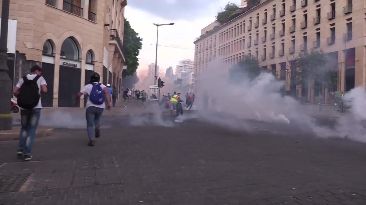 لبنان: استخدام الغاز المسيل للدموع ضد المتظاهرين المناهضين للحكومة في بيروت
