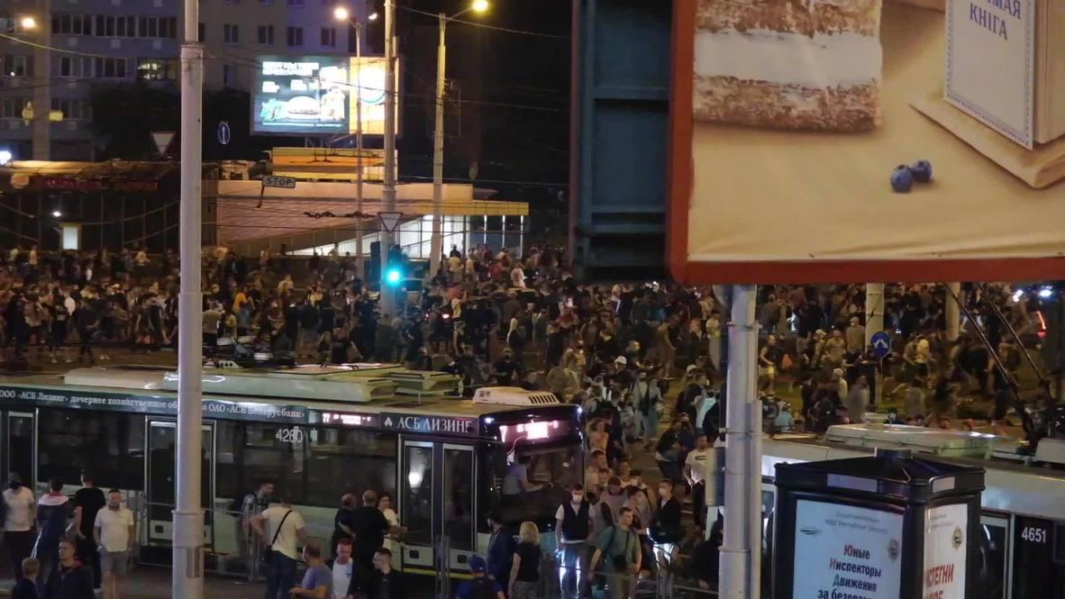 بيلاروس: مقتل متظاهر خلال اشتباكات بين قوات الشرطة ومتظاهرين لليلة الثانية على التوالي