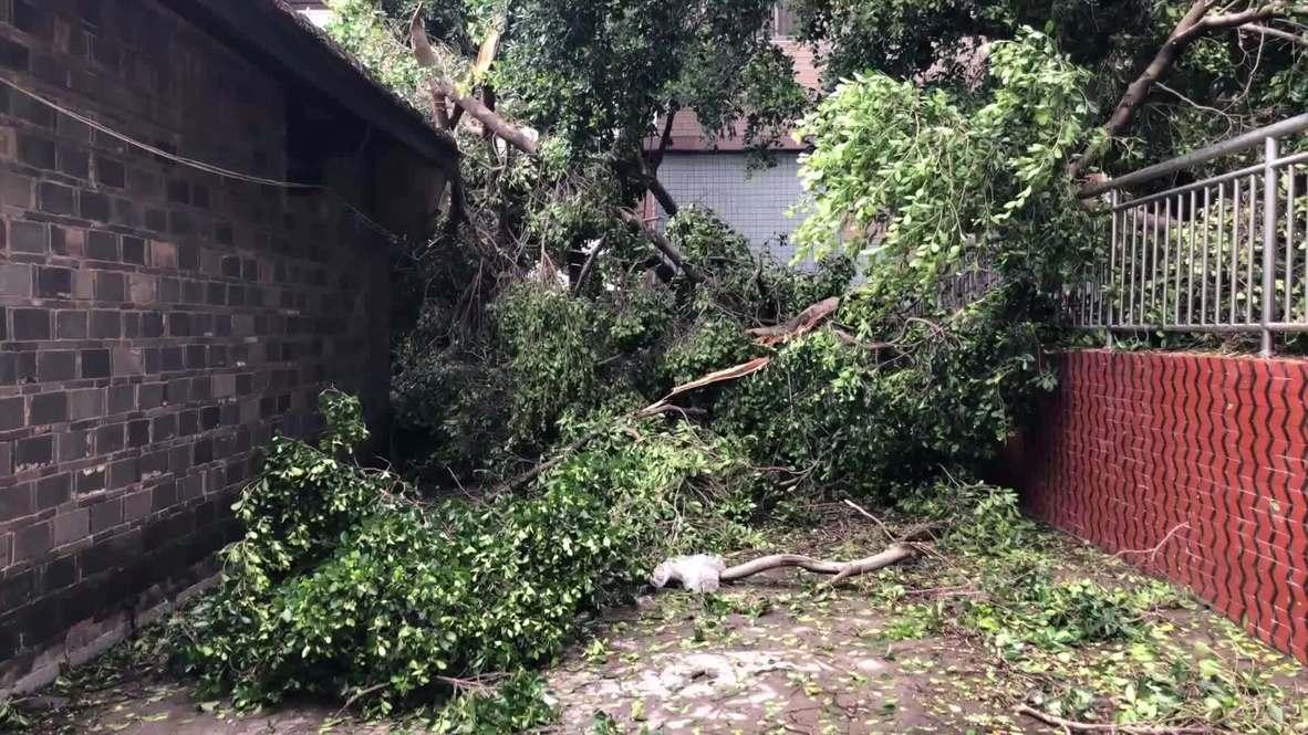 China: Typhoon Mekkhala batters Fuzhou with heavy winds and rain