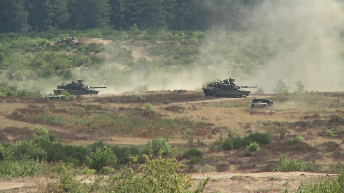 """بولندا: تدريبات دبابات بالذخيرة الحيّة في إطار مناورات """"ديفيندر يوروب 20"""" بقيادة الولايات المتحدة"""