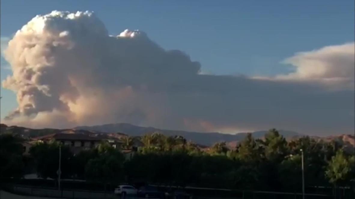 الولايات المتحدة الأمريكية: صدور أوامر بإجلاء السكان بعد أن التهم حريق مساحات واسعة من شمال لوس أنجلوس