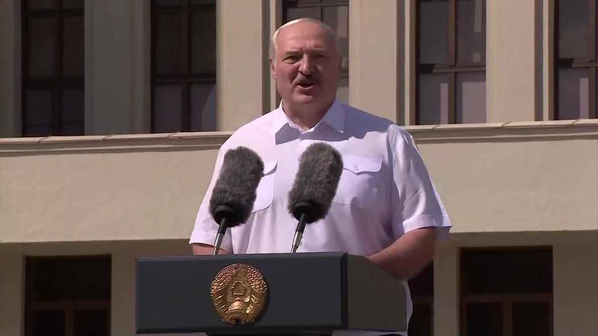 """Белоруссия: """"Спасибо вам, вы никогда меня не подводили"""" - Лукашенко поблагодарил сторонников, пришедших на митинг"""