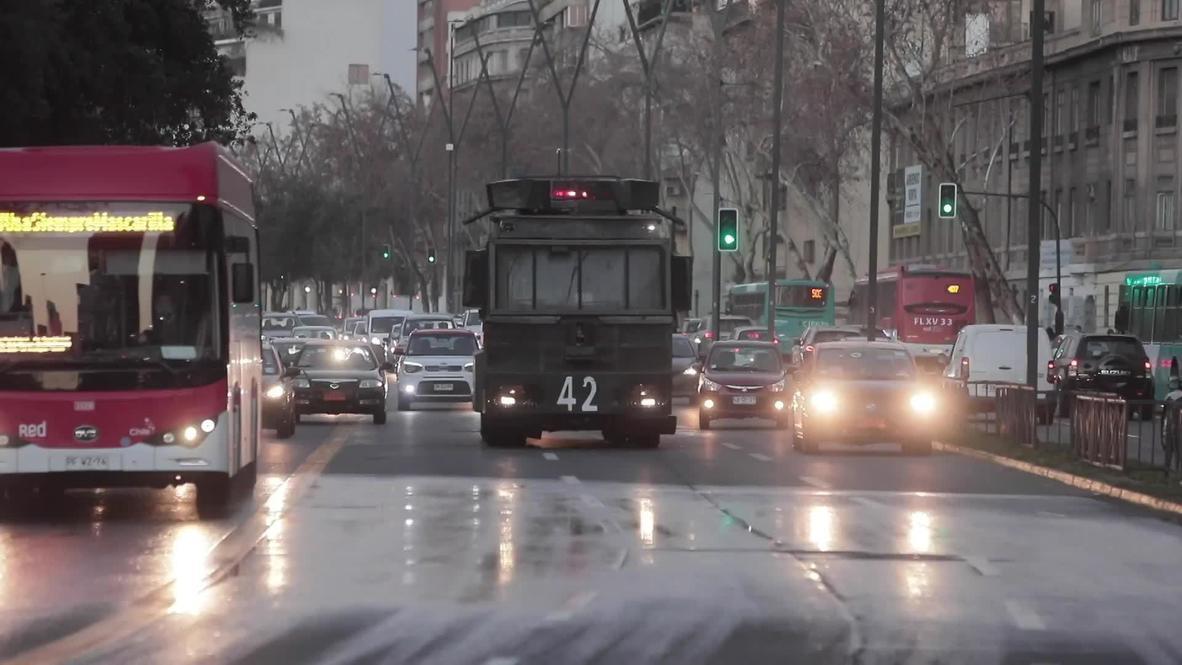 Chile: Enfrentamientos en Santiago tras detención de policía acusado de dejar ciego a joven durante protestas