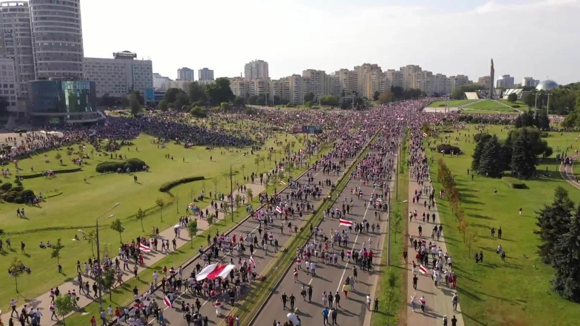 Bielorrusia: Imágenes aéreas muestran a miles de manifestantes opositores que protestan en Minsk