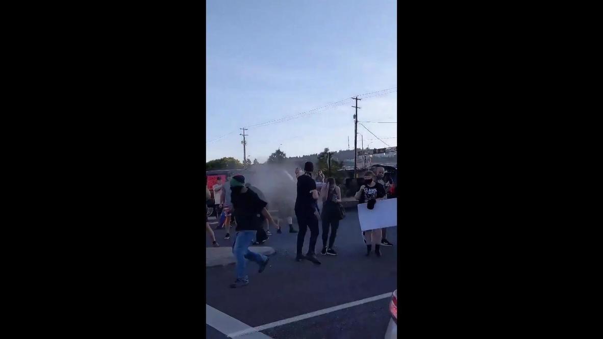 EE.UU.: Manifestantes BLM rociados con gas pimienta tras enfrentamientos con simpatizantes de Trump en Portland