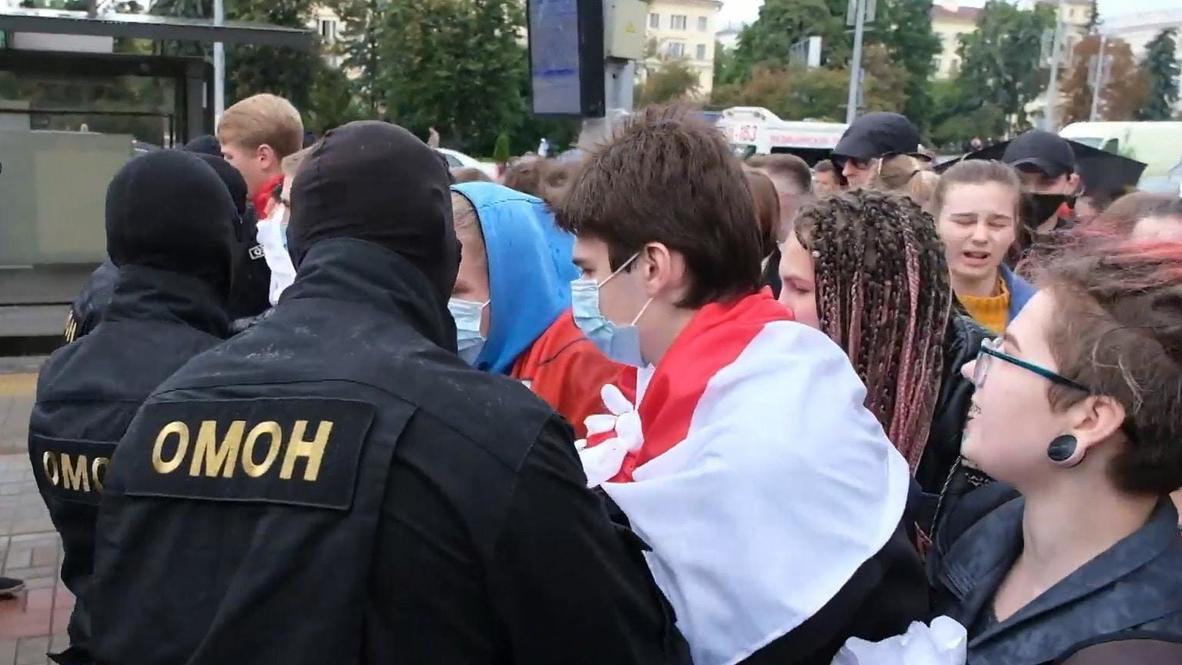 Белоруссия: Столкновения между студентами и ОМОНом произошли на акции протеста в Минске