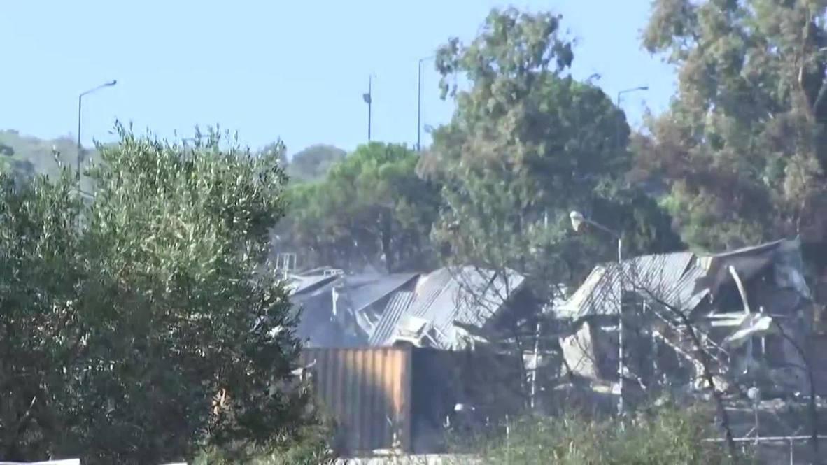 اليونان: استمرار تصاعد الدخان من مخيم موريا وإجلاء الآلاف من المهاجرين