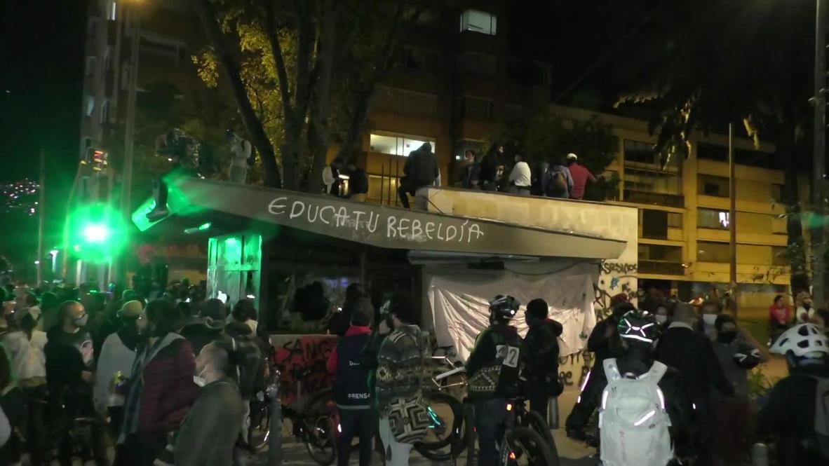 Colombia: Policía utiliza gas lacrimógeno durante protestas contra la brutalidad policial en Bogotá