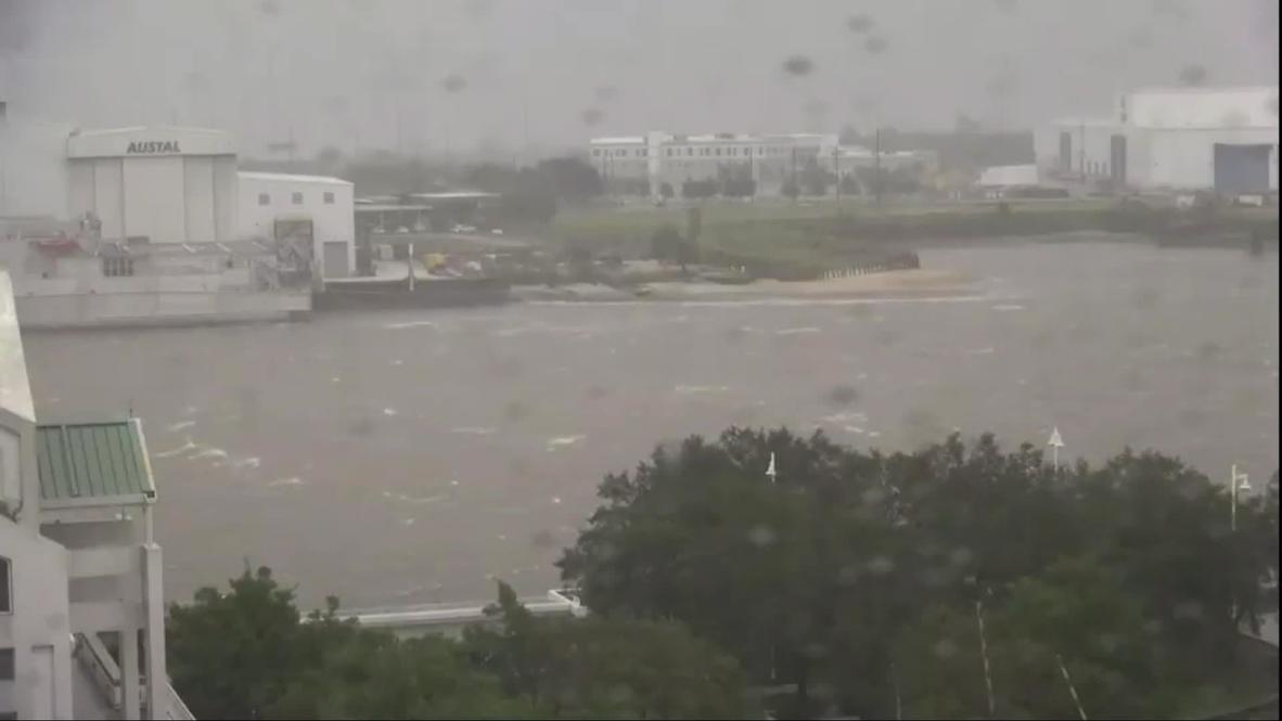 USA: Wind and rain lash Mobile as Hurricane Sally makes landfall in Alabama