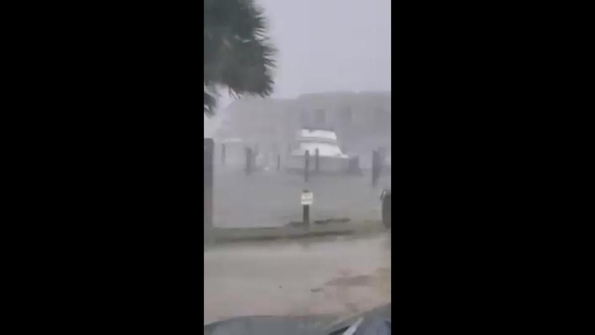 USA: Hurricane Sally brings torrential rain, strong winds to Dauphin Island