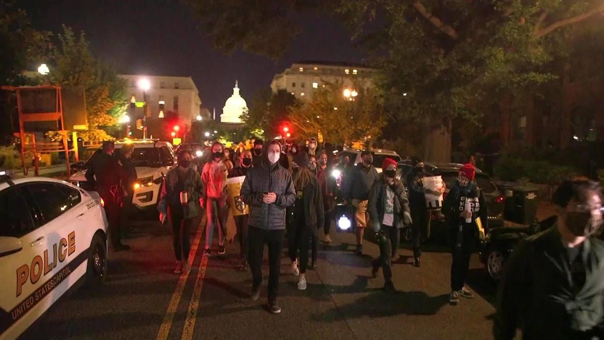 EE.UU.: Manifestantes 'despiertan' a senador republicano y rechazan su postura para la nominación de jueza