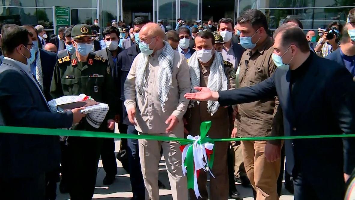 إيران: رئيس مجلس الشورى وقائد الجيش يفتتحان معرضاً مخصصا للحرب العراقية الإيرانية