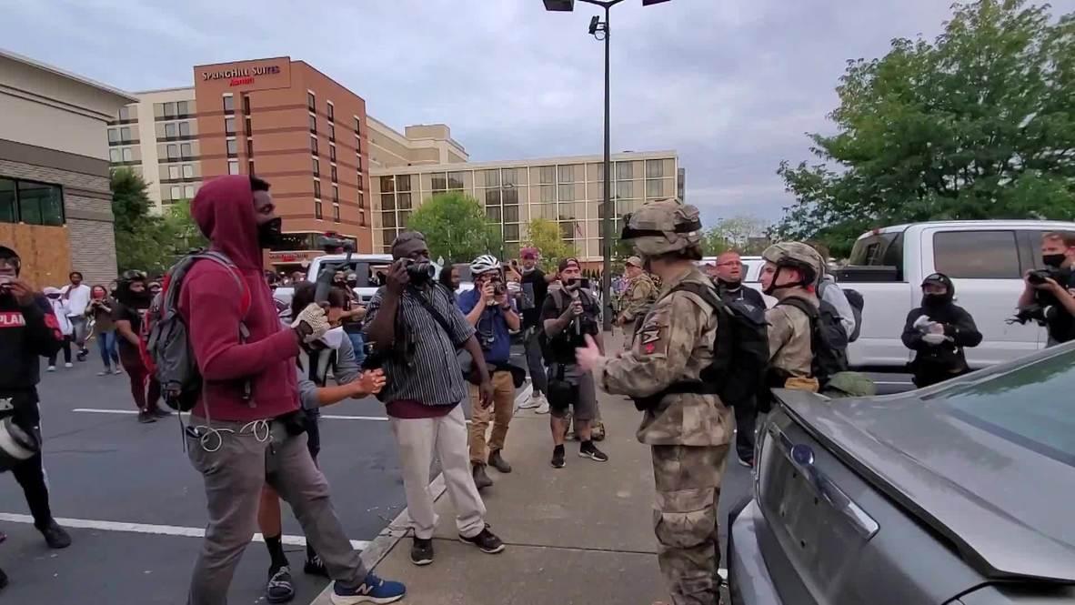 EE.UU.: Manifestantes BLM se enfrentan auna milicia armadaen Louisville